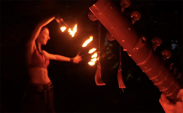 Khamaj, Duo arts, feu et sitar