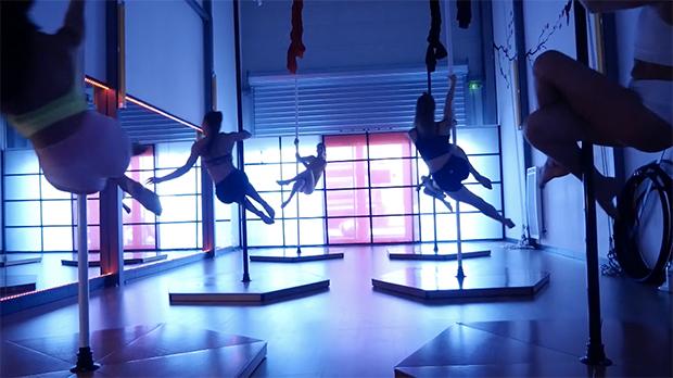 Ecole Fly'n Dance, Pole Dance, Yoga, Tissu Aérien